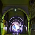 写真: 高架下の通り(1)