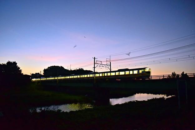 晩夏の上り一番列車