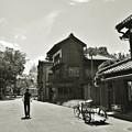 写真: リヤカーのある街