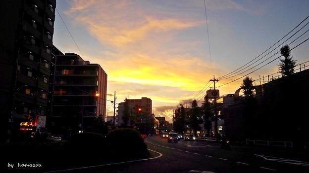 夕陽の国道20号