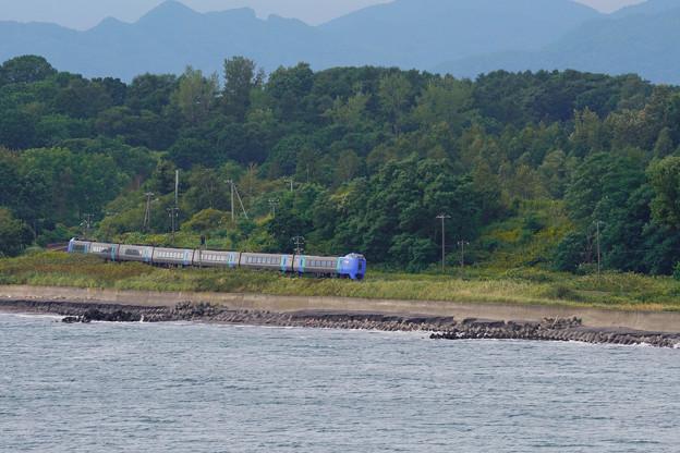 キハ281系特急スーパー北斗@エントモ岬