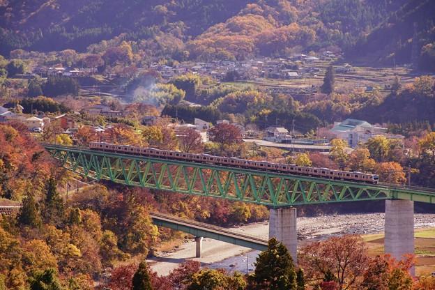 E233系@新桂川橋梁俯瞰