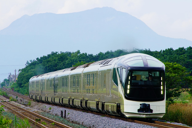 Photos: TRAIN SUITE 四季島@稀府~黄金