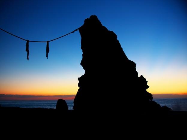 室戸夫婦岩の夜明