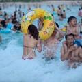 写真: 中国のハワイ 海南島で海水浴~~ (6)