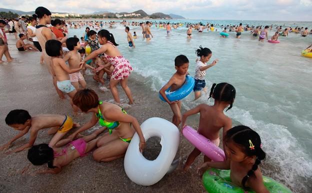 写真: 中国のハワイ 海南島で海水浴~~ (8)