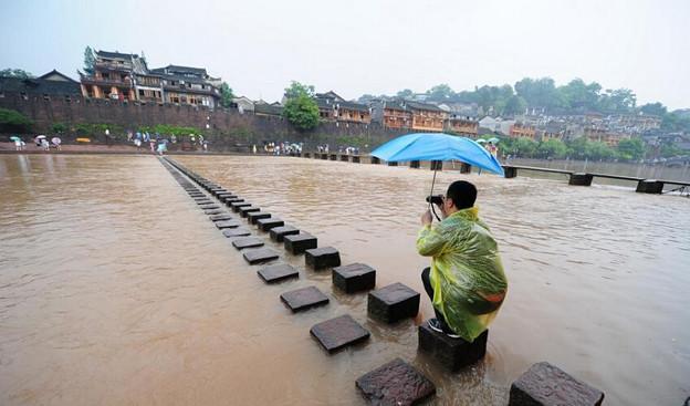 湖南 鳳凰の景色と大雨で洪水 (6)