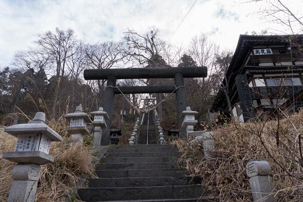 東北お花見ツアー【蔵王温泉の神社】