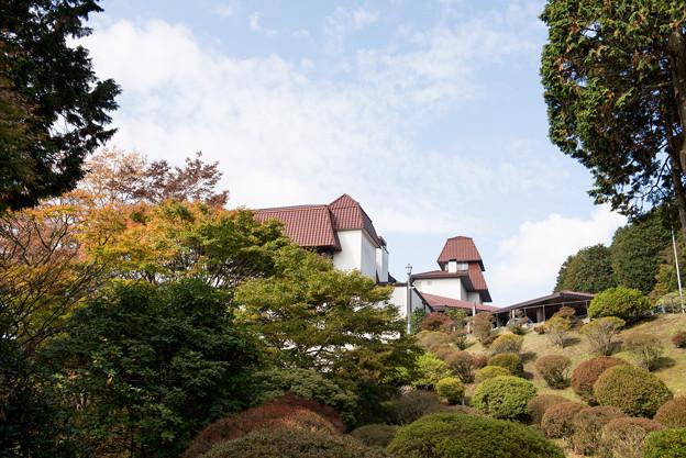 上のホテル【庭園から見るホテル】