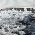 写真: 車庫前の雪