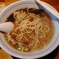 写真: 麺やGochi TANREI煮干ラーメン 麺リフト