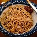写真: 三竹製麺所 チョコまぜそば 麺アップ