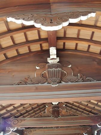 東福寺方丈廊下の蟇股、大瓶束 P1110201