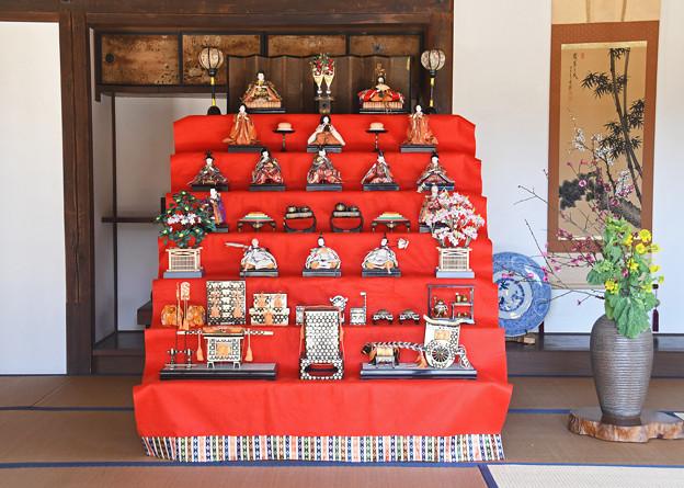 古民家の雛壇