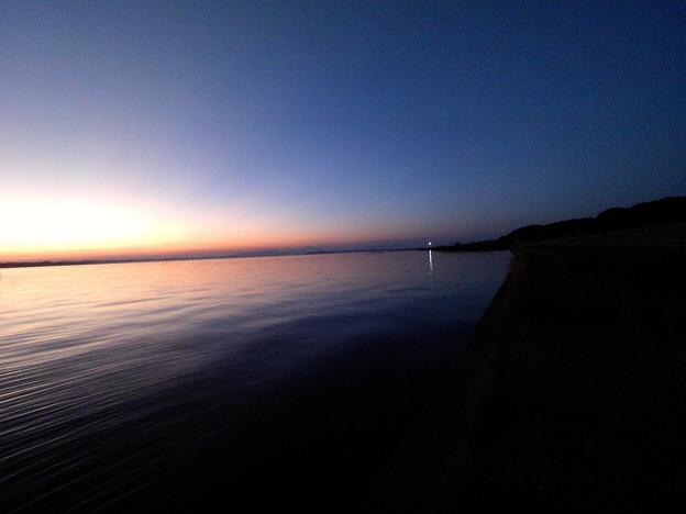 写真: 夕方の霞ヶ浦