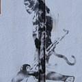 バンクシー? 猿と銃