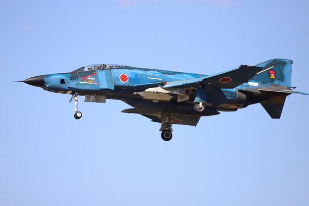 春空とRF-4E洋上迷彩