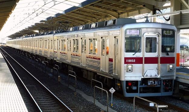 〈東武スカイツリーライン〉10000系11802F(810レ)普通TS09北千住