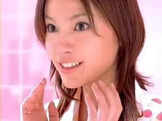 化粧惑星のCMの1コマ、太田在さまっ