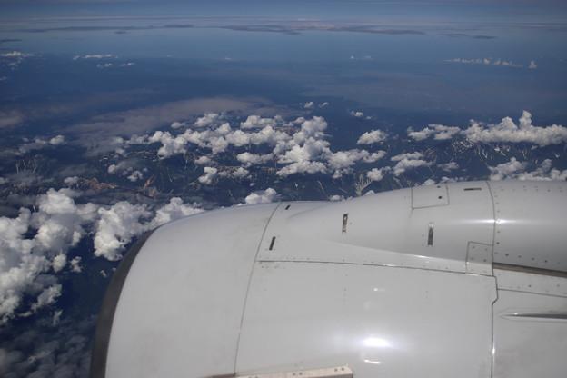 朝の北海道上空から