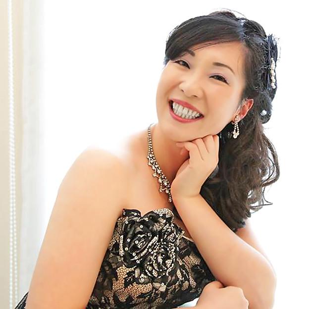 写真: 竹内直美 たけうちなおみ 声楽家 オペラ歌手 ソプラノ     Naomi Takeuti Jソロイスツ メンバー