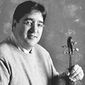 写真: ラウル・テオ・アリアス Raúl Teo Arias ヴァイオリン奏者 ヴァイオリニスト