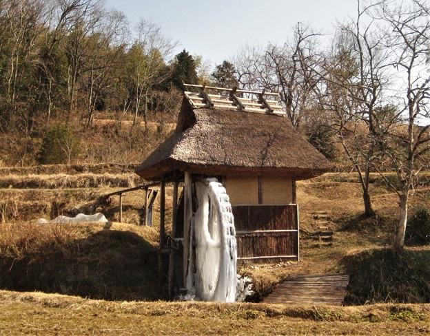 冬の水車小屋