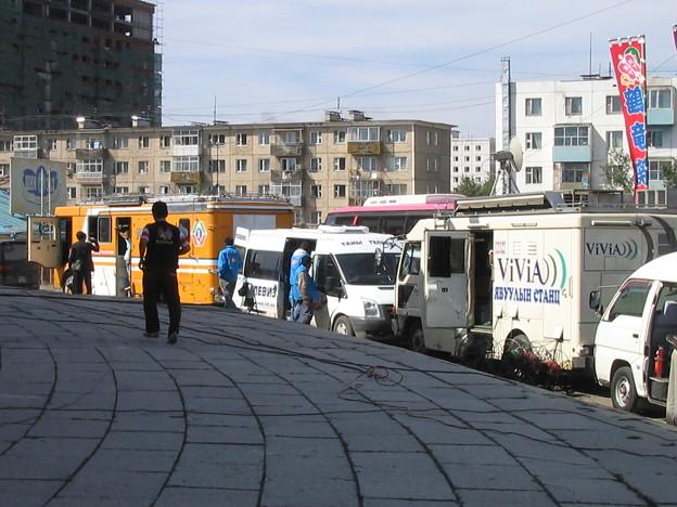 モンゴルで活躍する中継車