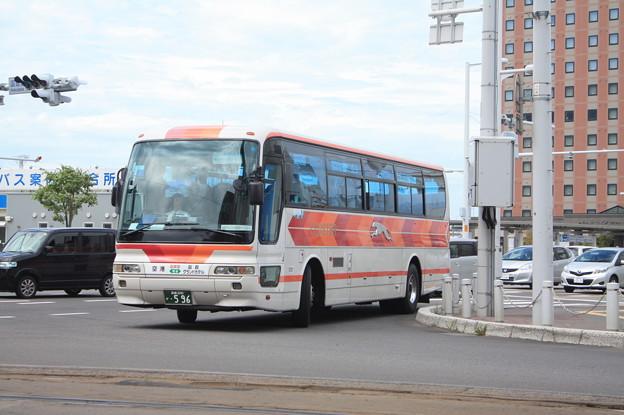函館 空港 シャトル バス