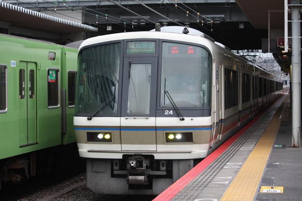 関西線 221系NC604編成 大和路快速 奈良 行
