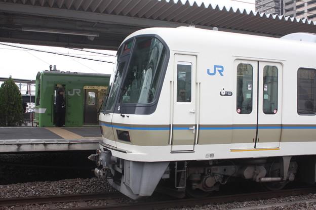 関西線 221系