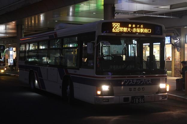 茨城交通 水戸200か1886 23系統 赤塚駅南口 行