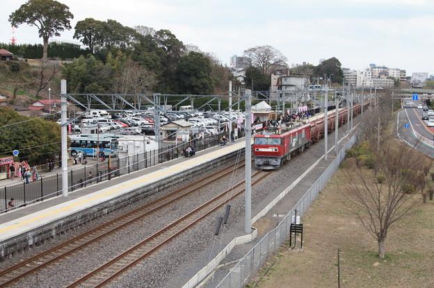 偕楽園駅を通過する5094レ安中貨物 (3)