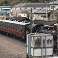 Photos: 茂木駅構内で入れ換えを行い機回し線に入るSLもおかC12 66 (2)