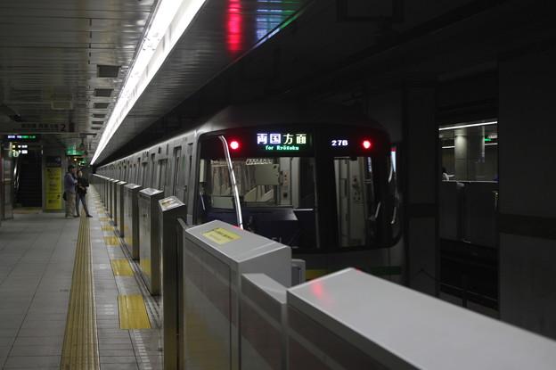 都営大江戸線 12-000形12-251F 飯田橋方面 行 (1)