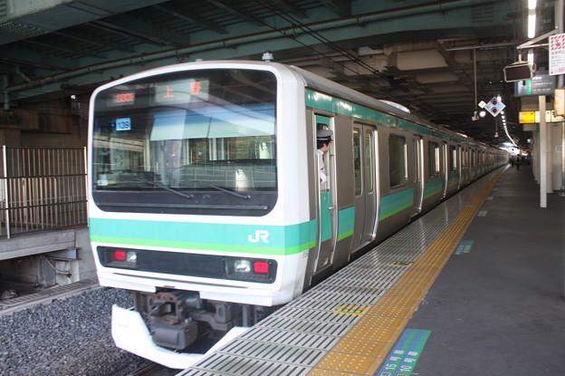 日暮里駅4番線を発車する常磐快速線E231系マト139編成
