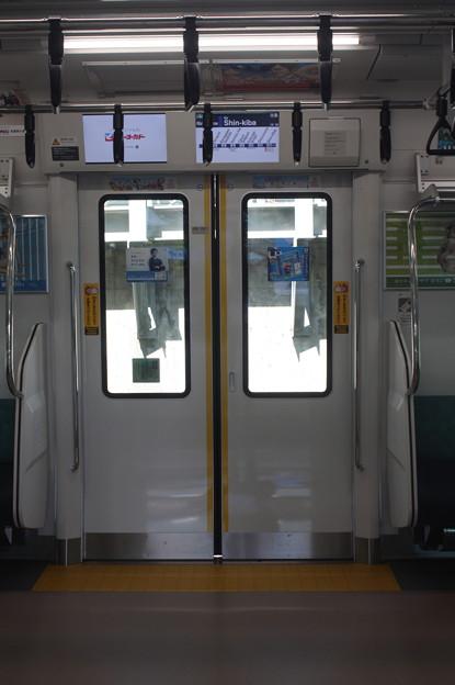 埼京線 E233系7000番台 ドア 内