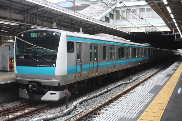 品川駅4番線に停車する京浜東北線E233系1000番台サイ148編成 大船 行