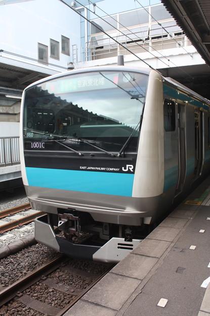 品川駅4番線に停車する京浜東北線E233系1000番台サイ160編成