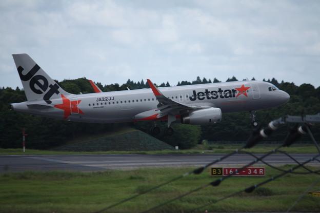 ジェットスタージャパン A320-200 JA22JJ (3)
