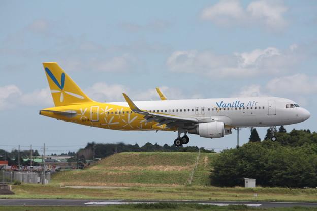 バニラエア A320-200 JA11VA (2)