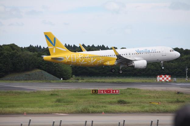 バニラエア A320-200 JA11VA (3)