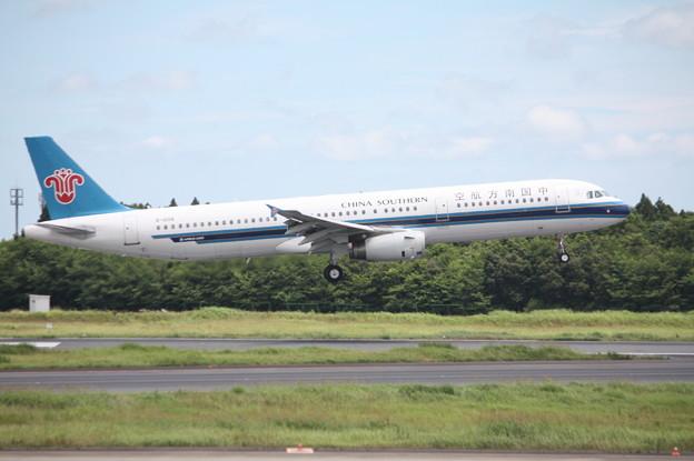 中国南方航空 A321-200 B-8996 (2)
