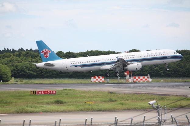 中国南方航空 A321-200 B-8996 (3)