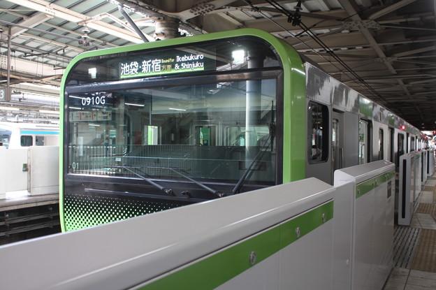 山手線 E235系トウ01編成