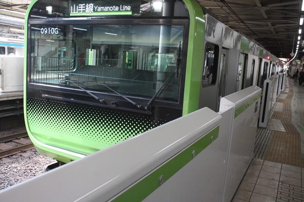 山手線 E235系トウ01編成 (1)