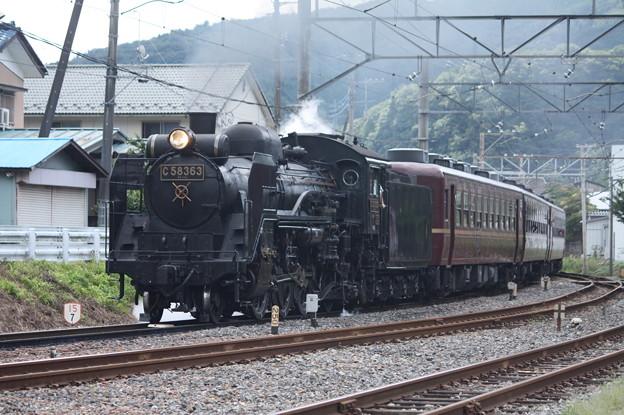 秩父鉄道 パレオエクスプレス 5001レ C58 363+12系客車4B 波久礼付近 (4)