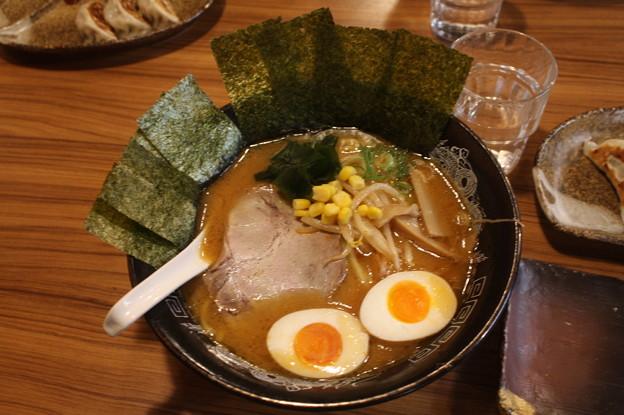 らーめん金伝丸 渋谷 味噌ラーメン・海苔トッピング