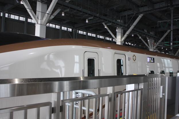 北陸新幹線 E7系F5編成