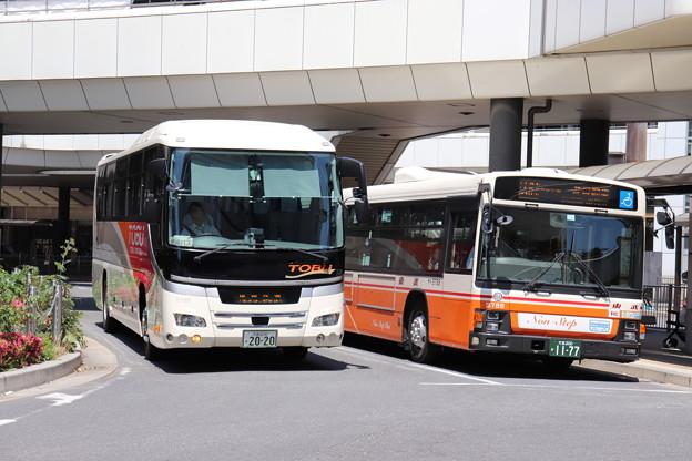 東武バス 5196号車・9788号車